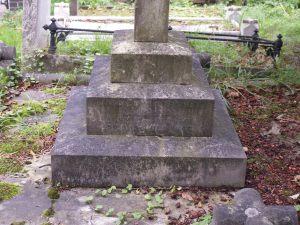Gravestone of E S Woodiwiss