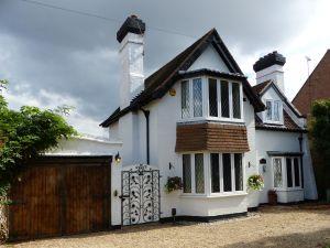 Little Gaynes Cottage (78 Little Gaynes Lane)