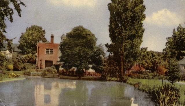 clockhouse-gardens-1