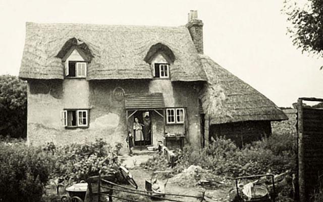 Upminster Whitehall Cottage (AG)2